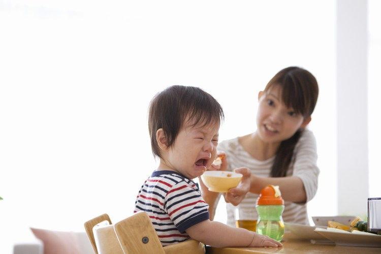 Cách chăm trẻ biếng ăn các mẹ nên biết